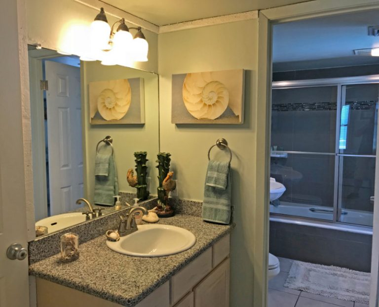 Master bath dressing area